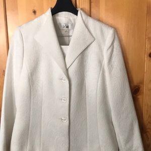Le Suit Women's 3 Button Jacquard Skirt Suit